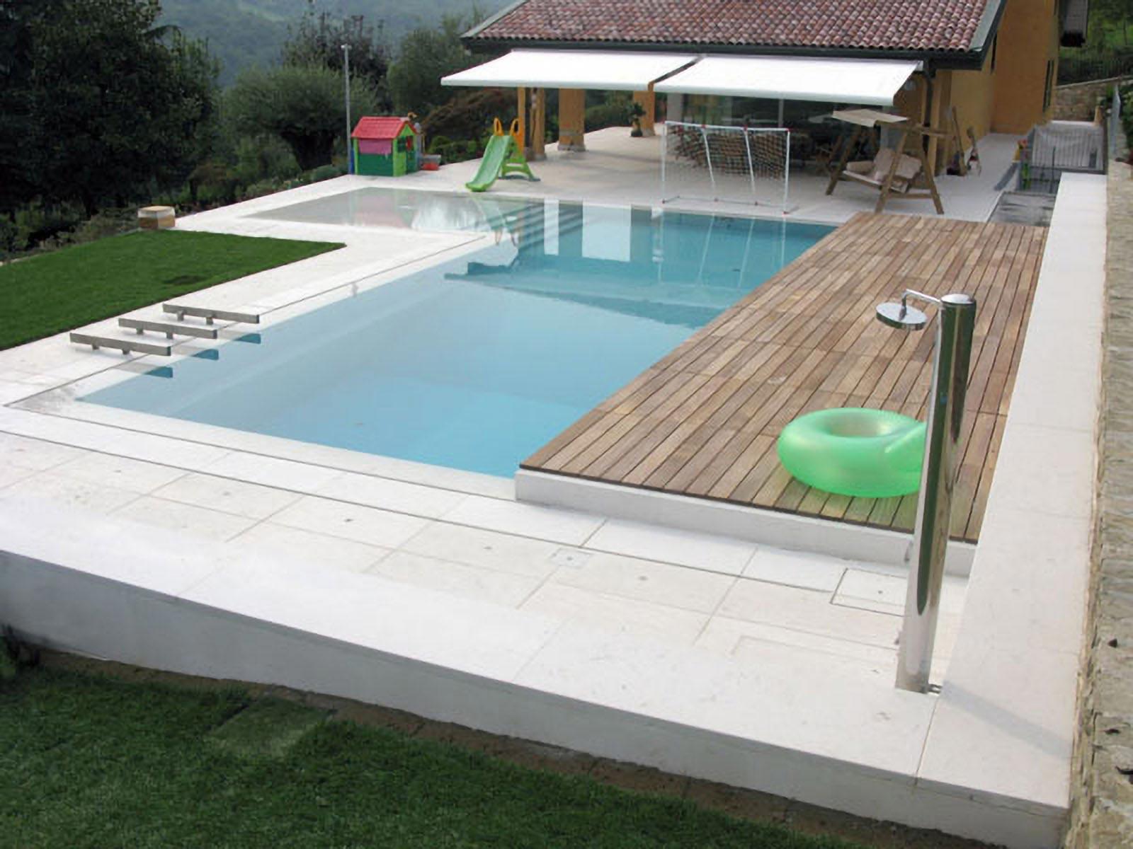 [08] Un elegante piscina a sfioro - abitazioni, piscine, pietra della lessinia, pietra della lessinia bianca, lastricato, scale